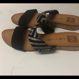 DV by Dolce Vita Bailey Black Sandals Size 10